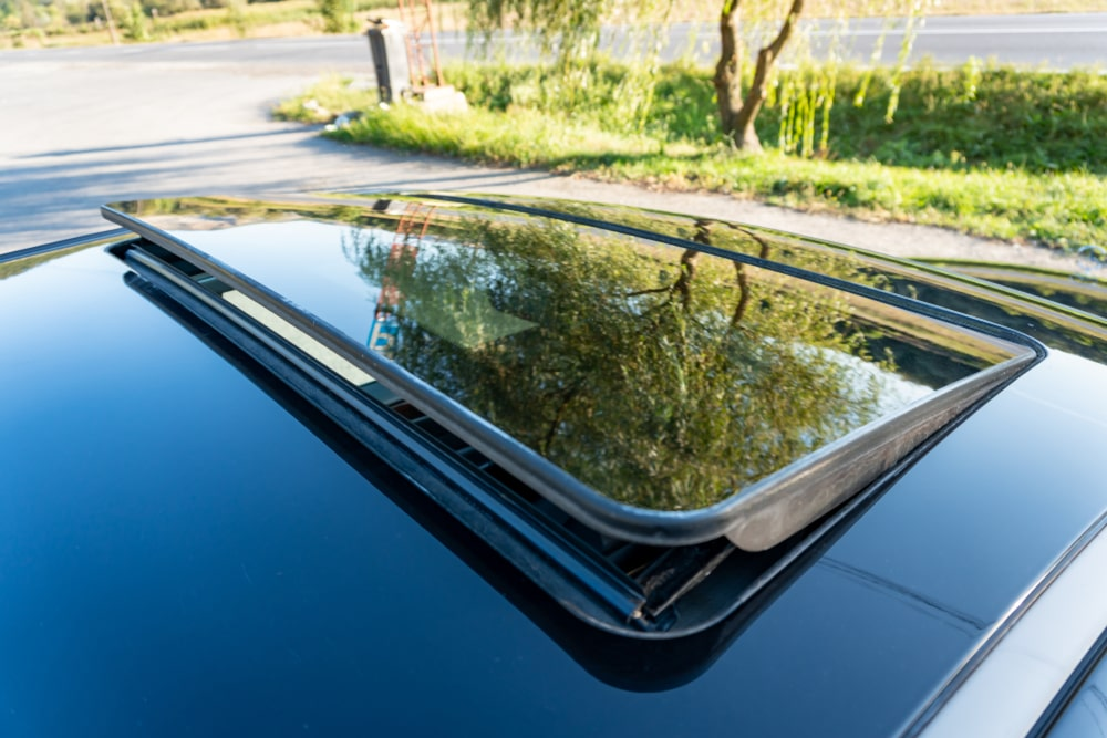 Is Sunroof glass replacement covered in car insurance