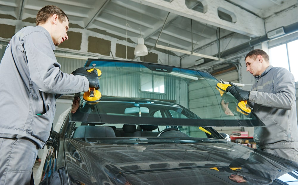 Reasons Why Windshield Replacement Is High For New Model Cars